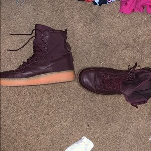 Maroon high ankle Air Force 1s size 10.5